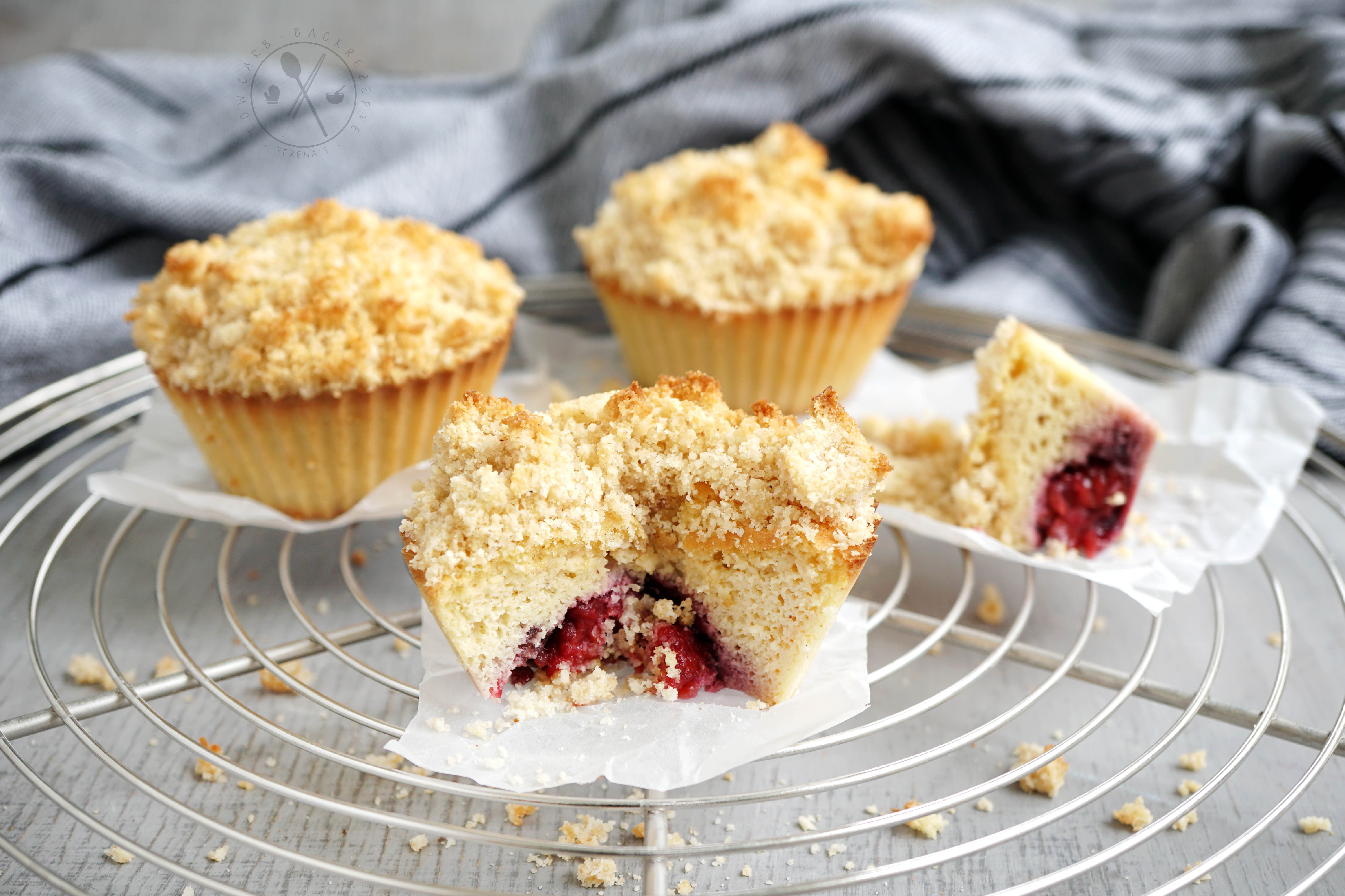 low carb streuselkuchen muffins mit beeren f llung paleo. Black Bedroom Furniture Sets. Home Design Ideas