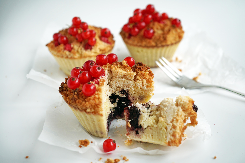 Weihnachtskekse Mit Marmeladenfüllung.Low Carb Streuselkuchen Muffins Mit Johannisbeeren Lowcarb