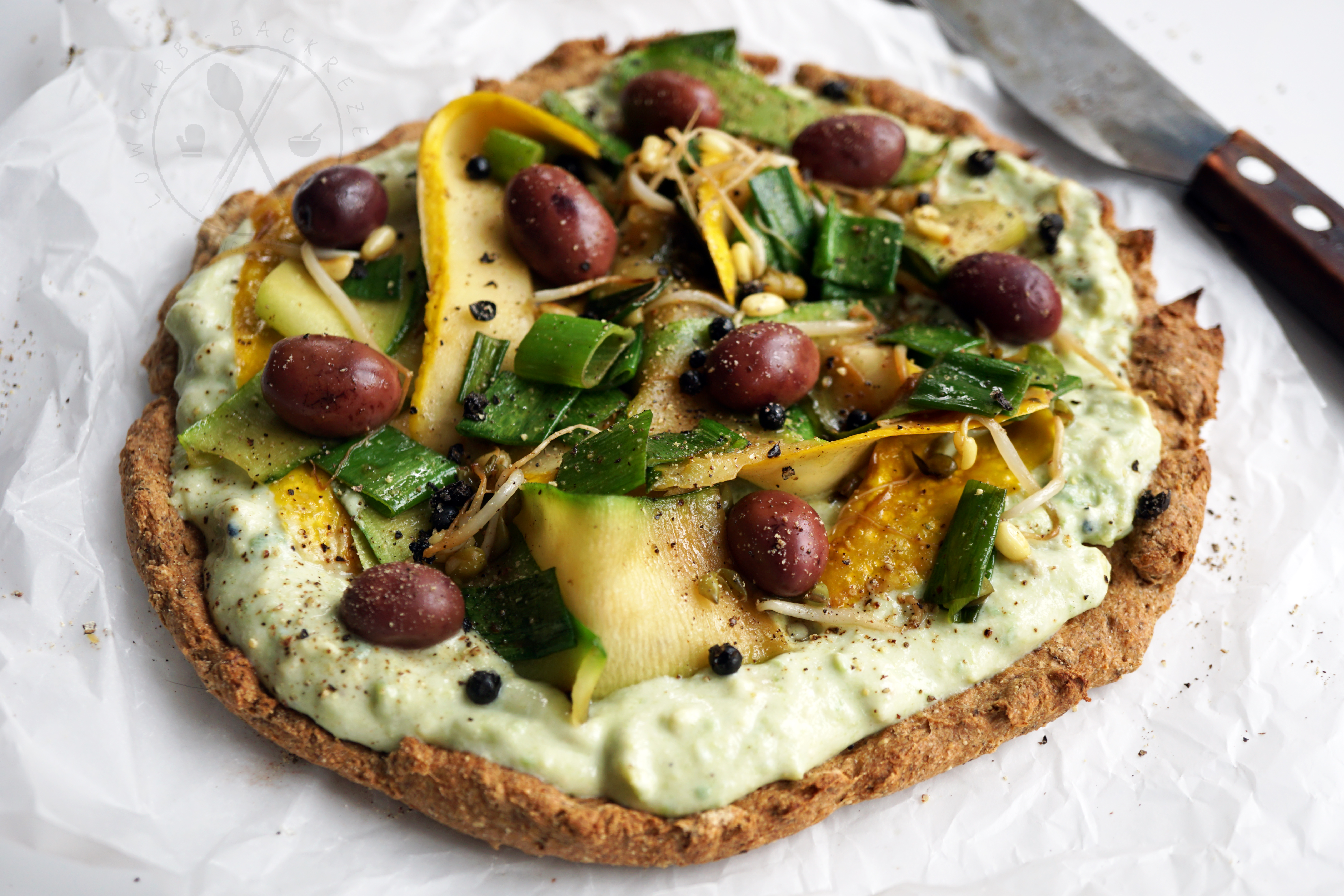 Sommer Avokado-Pizza Low Carb Vegan & Paleo