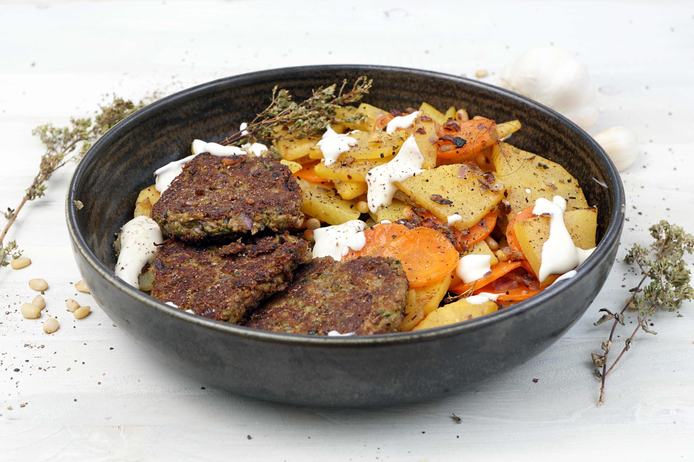 Low Carb Bratkartoffeln mit Insektenburger - Schnelle Keto & Paleo Rezepte