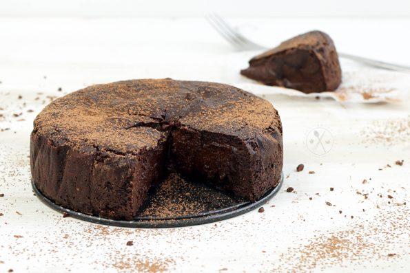 Saftiger Low Carb Schoko-Kuchen mit Mandelmehl und